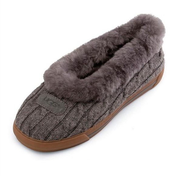 bf18a6c04b45 UGG RYLAN SLIPPERS ~ 7 ~ GRAY CABLE KNIT ~. M 5b3878d1409c15a95567c989